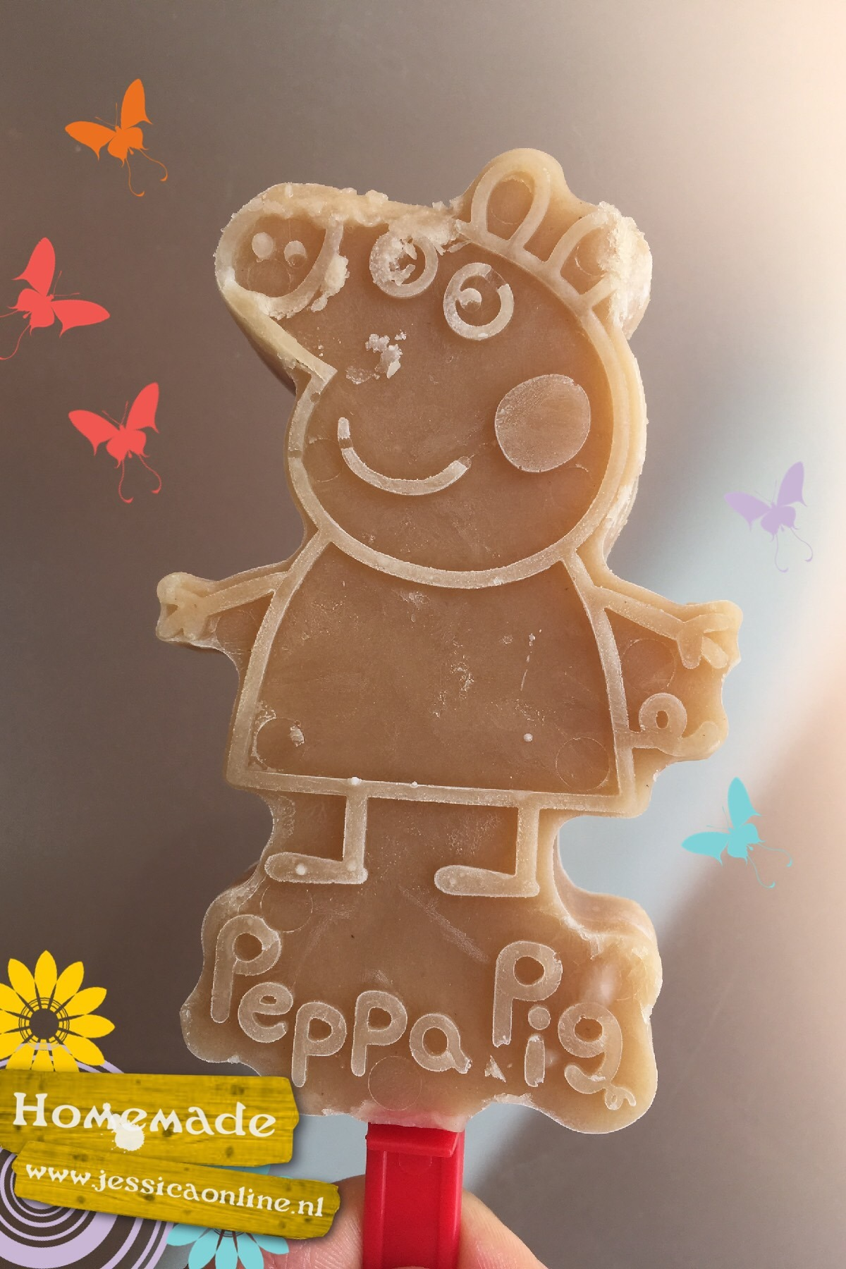 Ilse krijgt Peppa Big ijsvormpje